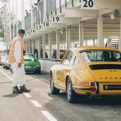 Le rendez-vous des belles ! #fridaymood  #porsche #porsche911 #racing #vintage #retro #race #classic #auto