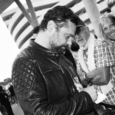 Notre partenaire @rousselrenaud lors du festival Les Hérault du cinéma et de la TV avec le modèle Sunny sur les épaules. - - - - #daytona73 #leather #jacket #leatherjacket #motojacket #apparel #cuir #blouson #veste #blousoncuir #blousonmoto #leder #fashion #fashionista #mensfashion #menstyle #menswear #stylish #festival #cinema #tv #ootd
