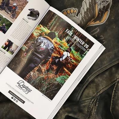 Notre parution dans le dernier numéro de @motoheroesofficiel sur la nouvelle collection FW 20 @d73usa avec une photo signée @indiana_anders 📷 - - - - #daytona73 #collection #fallwinter20 #automnehiver20 #leather #jacket #leatherjacket #flightjacket #pilotjacket #aviatorjacket #cuir #apparel #blousonaviateur #motoheroes #presse #ads #magazine #motorcycle #vintage