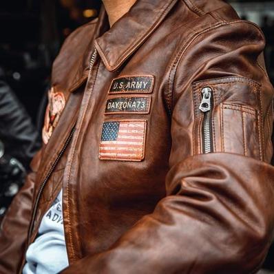 L'authenticité dans la peau  👉 Retrouvez tous nos cuirs sur daytona73.com  📷 @indiana_anders - - - - #daytona73 #leather #jacket #leatherjacket #flightjacket #pilotjacket #aviatorjacket #cuir #apparel #leder #blouson #blousonaviateur #blousoncuir #fashion #fashionista #mensfashion #menstyle #menswear #stylish #lookoftheday